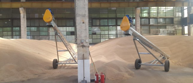Delivery of two mobile grain auger ECS